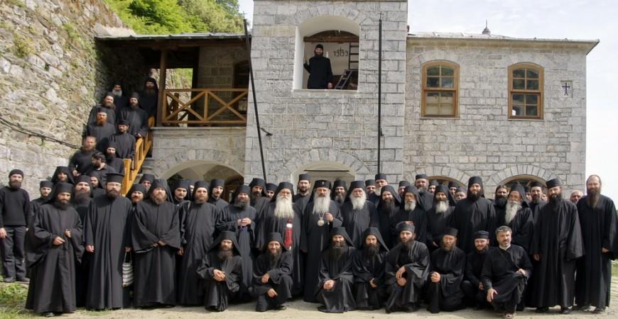 8.05.2012 - Schitul Lacu, după Sfânta Liturghie